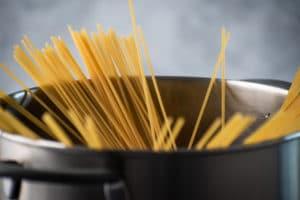 Spaghetti mit Salbeibutter Schritt 2